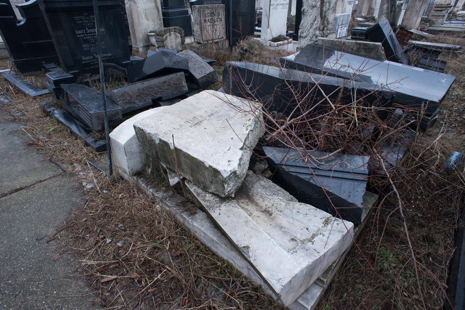 Az enyészeté lett Bukarest közepén a zsidó temető