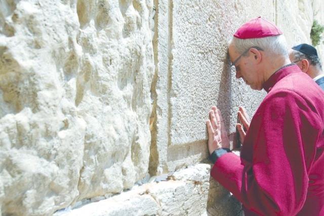 Elnézést kér a zsidóktól az anglikán egyház