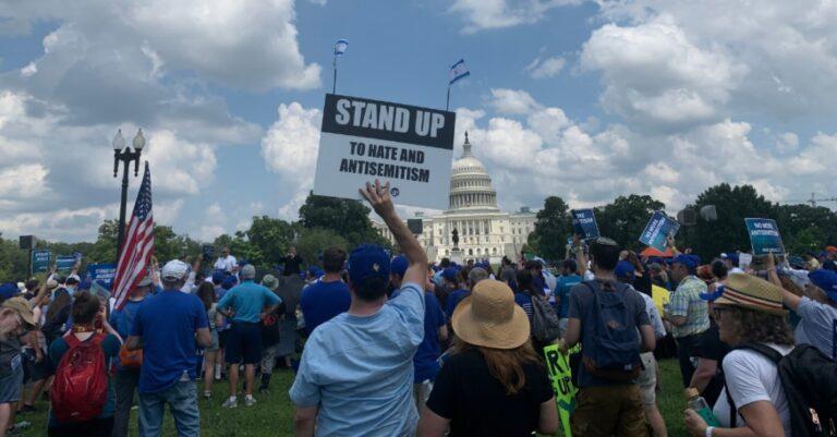Videó: az antiszemitizmus ellen tüntettek Washingtonban