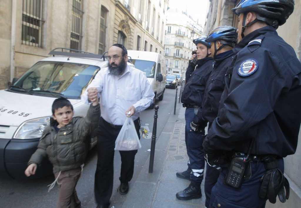 Újfajta antiszemitizmus elől menekülnek Párizsban