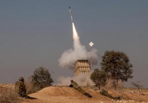 A volley of rockets fired from the Gaza Strip was intercepted by the Iron Dome system near the Israeli town of Beersheba, November 15, 2012. Israel launched a major offensive against Palestinian militants in Gaza on Wednesday. Photo by Uri Lenzl/Flash90 *** Local Caption *** ø÷èä ëéôú áøæì äâðä éøåè èéì îáöò òîåã òðï ùéâåø ðù÷