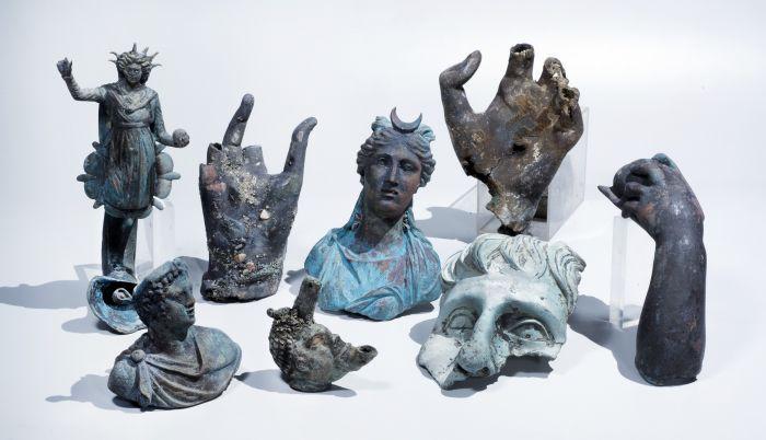 A megtalált szobrok