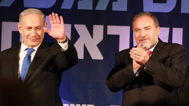 A miniszterelnök és Ávigdor Lieberman, az új védelmi miniszter