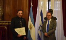 Buenos Aires: kitüntették a szíriai sebesülteket gyógyító izraeli orvost