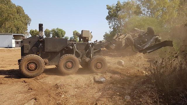 Itt a valódi Transformer: az új katonai jármű képes változtatni a méretét – Zsido.com