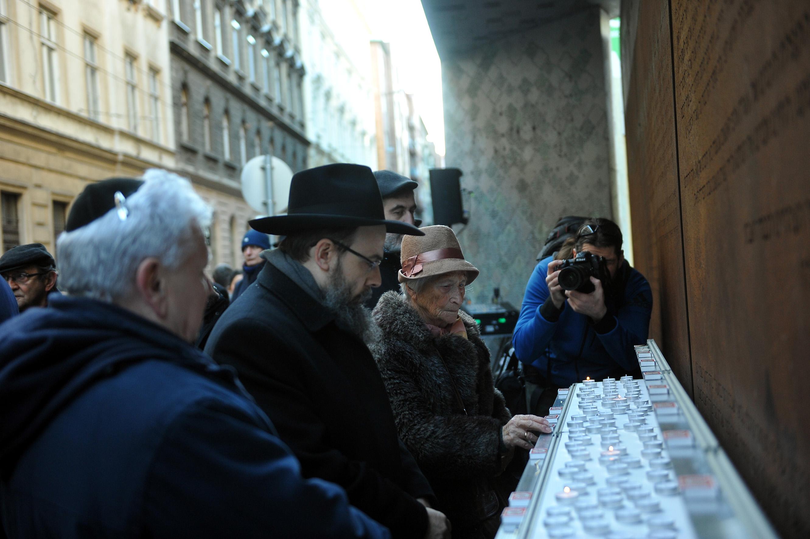 """Egyetlen """"bűnük"""", hogy zsidók voltak – 73 éve szabadult fel a budapesti gettó"""