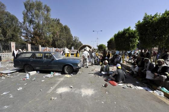 Irán háborúzik és atombékét ígér