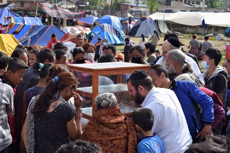 Nepál: tovább küzdenek