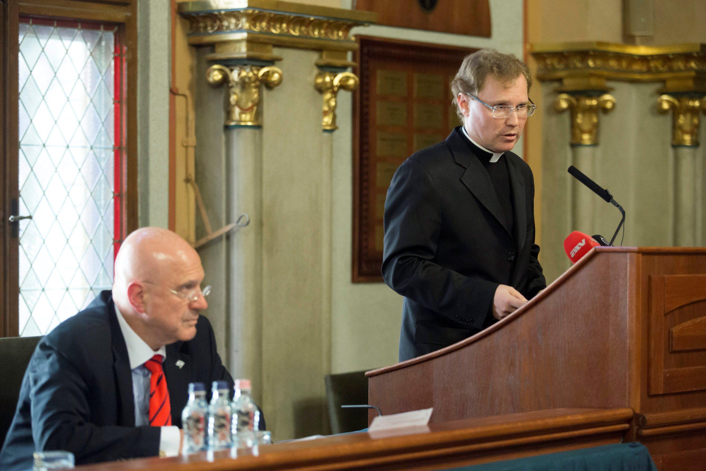 A holokauszt és emlékezete: katolikus kezdeményezés szélsőjobbos provokációval