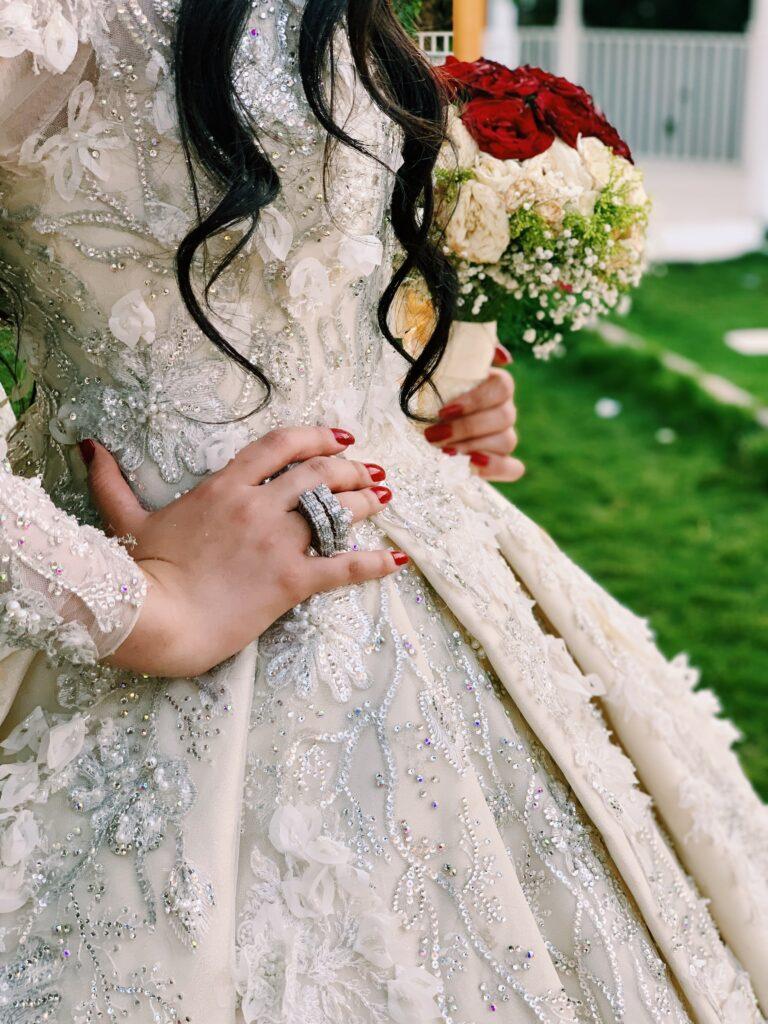 Stylist hászid esküvőkre: az előírások és a divat nem zárja ki egymást