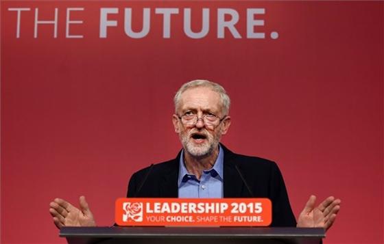 Antiszemita politikus vezeti a brit baloldalt?