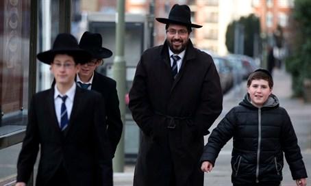 2031-ben minden második zsidó háredi lesz Nagy-Britanniában