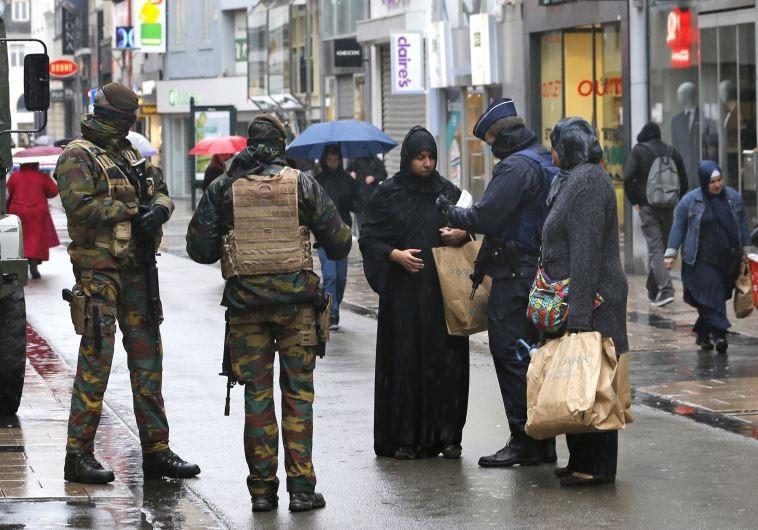 """Brüsszel főrabbija: """"A zsidóknak nincs jövőjük Európában"""""""