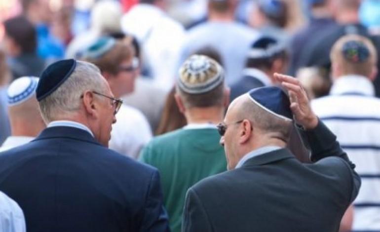 El kellene rejteniük kipájukat a Marseilleben élő zsidóknak?