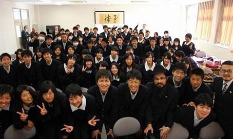 Tu bisvát Japánban: diákokat tanított a rabbi