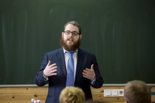 Mi a zsidó? – Rabbi a dunaújvárosi szakközépben