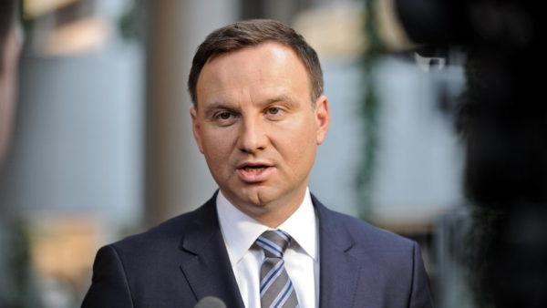 A lengyel elnök sajnálatát fejezte ki a kommunista hatalom zsidóüldözései miatt