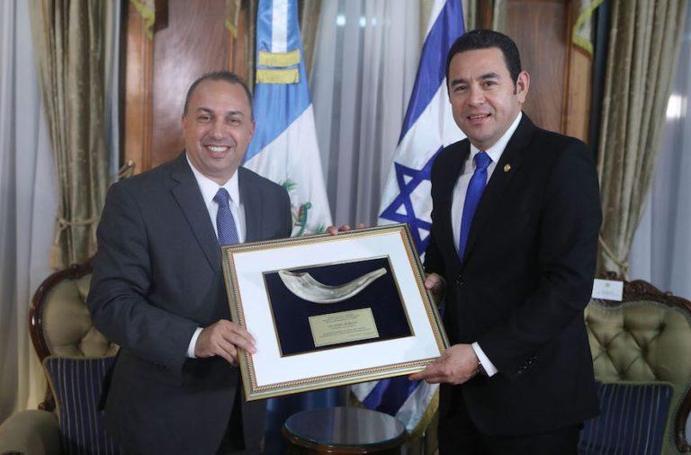 Guatemala is Jeruzsálembe költözteti izraeli nagykövetségét