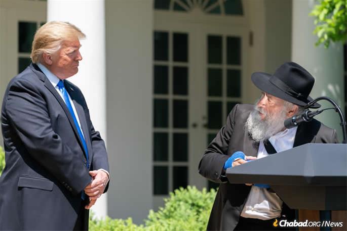 A merényletben megsérült rabbi az Ima Nemzeti Napján beszélt az egyperces csend fontosságáról