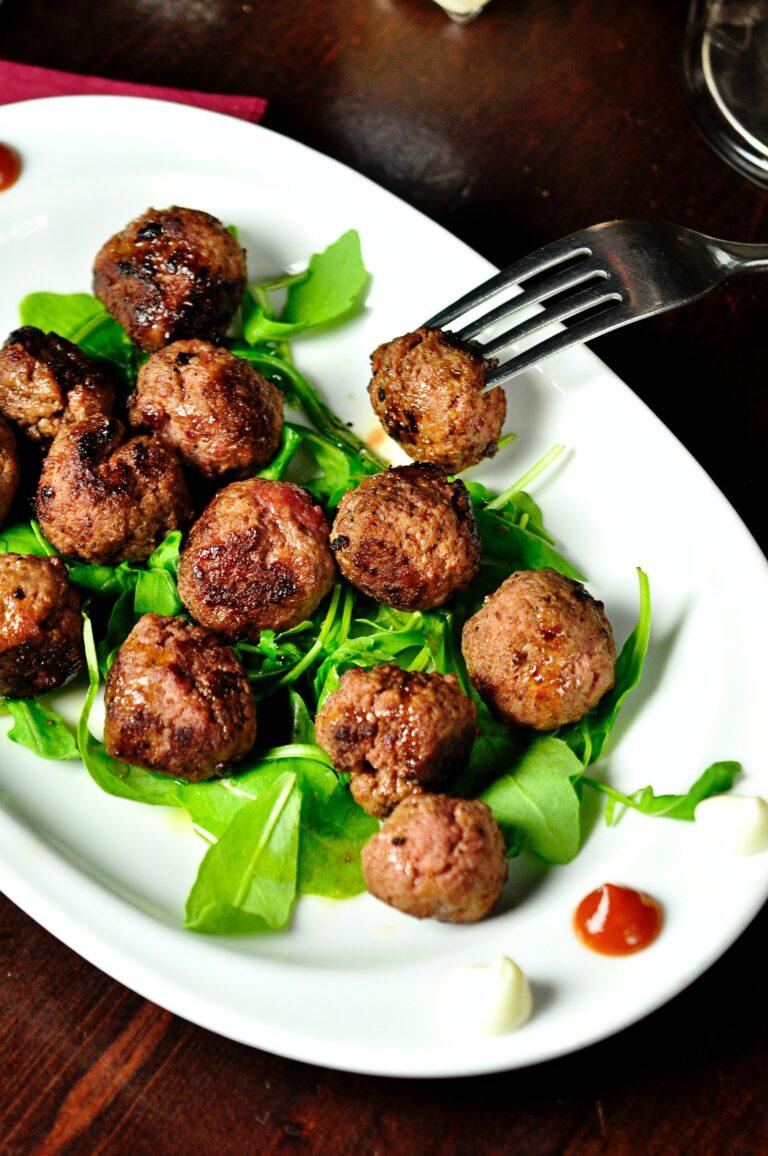 Kóser gasztro: tárkonyos húsgombóc füstölt hússal
