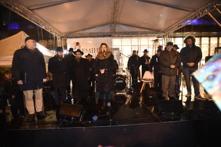 Hanukai gyertyagyújtás a Nyugati téren 1. nap