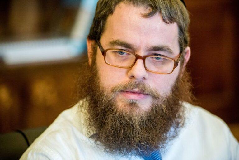 """""""Mindenki oda szeret járni, ahol szükség van a jelenlétére""""- Interjú Köves Slomó rabbival"""