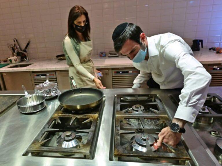 Glatt kóser menü az izraeli delegációnak