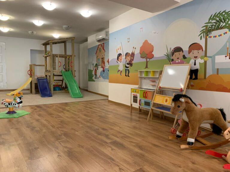 A Zsilip Kávézó és Játszóklub – gyerekbirodalom a zsinagógában