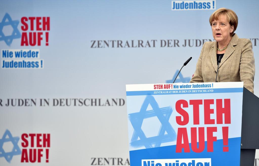 Merkel a német hitközség rendezvényén