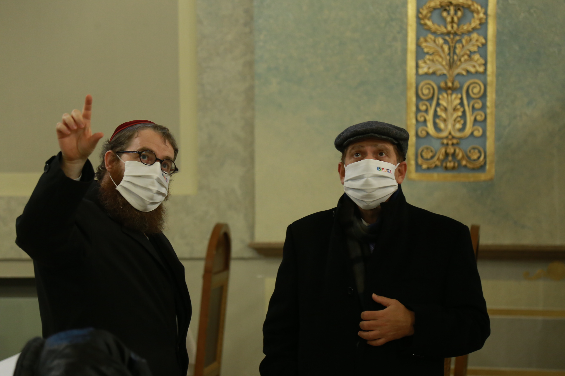 Több száz maszk érkezett a CEDEK EMIH Izraelita Szeretetszolgálathoz