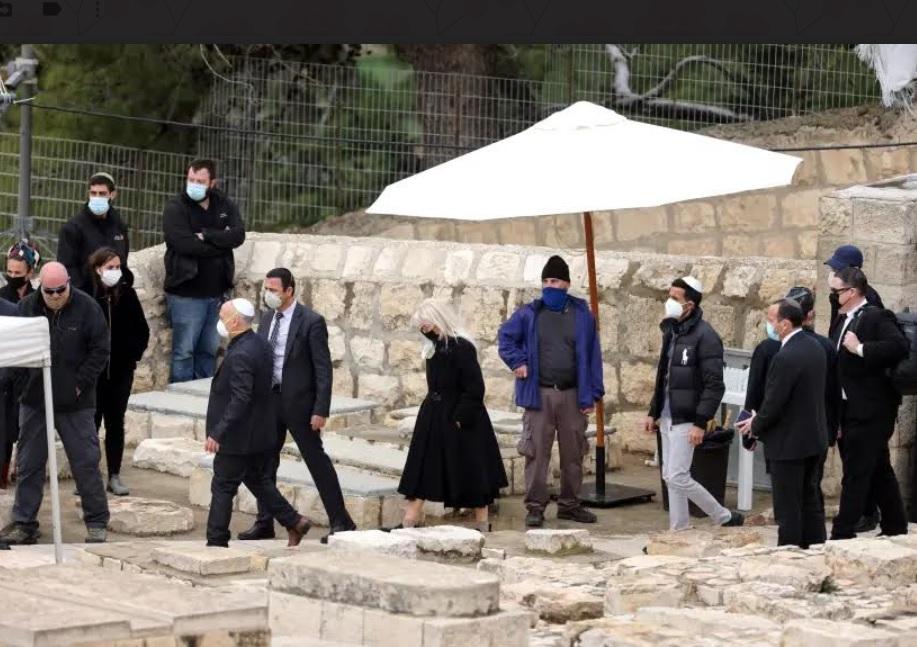 Jeruzsálemben temették el Sheldon Adelsont